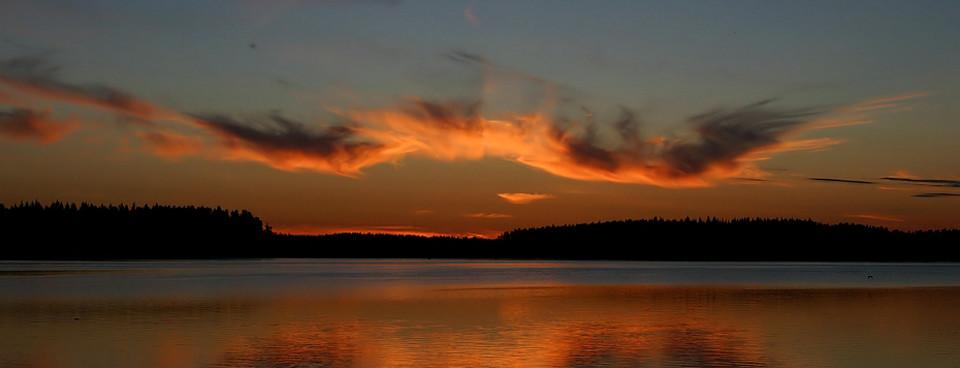 Auringonlasku Vesijaolla